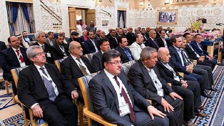 وفد من المعارضة السورية في موسكو والرياض تحضر لمؤتمر شامل