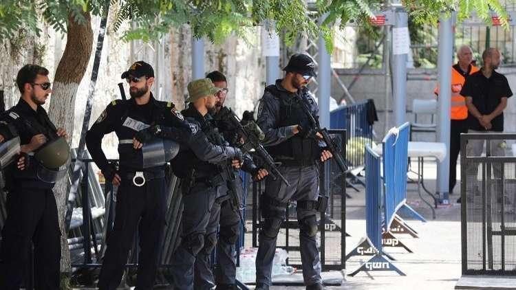 الجيش الإسرائيلي يطلق النار على فلسطيني بدعوى محاولة طعن شمال الخليل