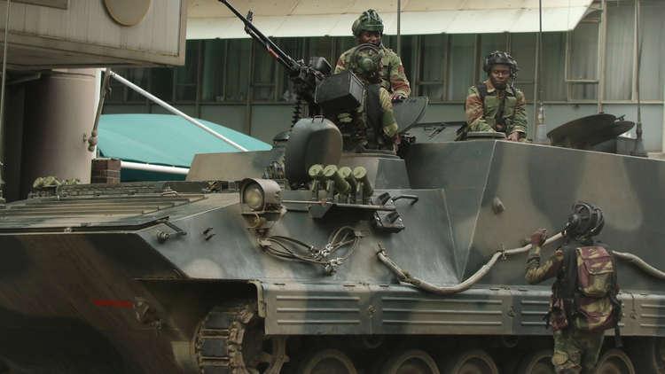 زيمبابوي.. الجيش يعلن دعمه لمسيرة ضد موغابي