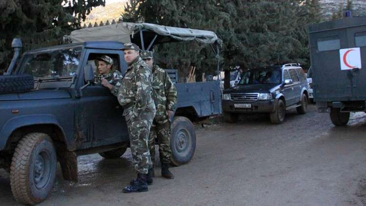 الجيش الجزائري يدمر مخابئ للمسلحين في
