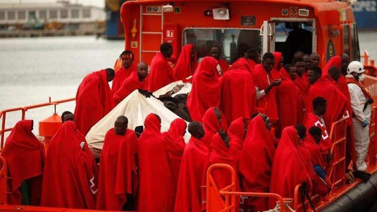إنقاذ 600 مهاجر في يوم واحد قرب السواحل الإسبانية