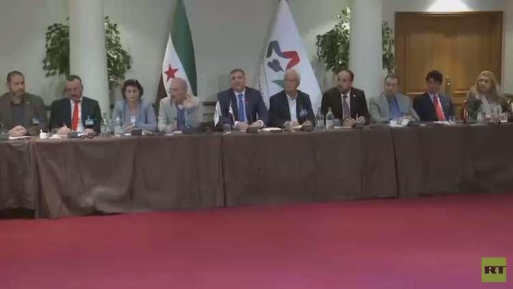رياض حجاب يستقيل من هيئة التفاوض العليا