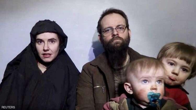 رهينة أمريكية محررة من طالبان تفضح وحشية خاطفيها