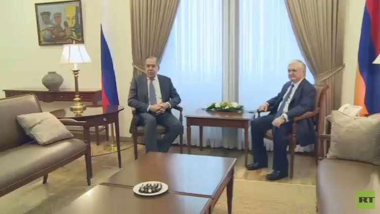 لافروف: استقالة حجاب خطوة لتوحيد المعارضة