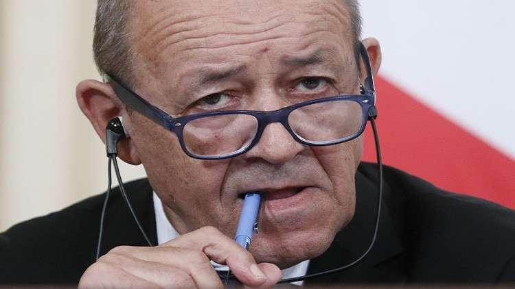 باريس تطلب اجتماعا لمجلس الأمن حول معاملة المهاجرين في ليبيا