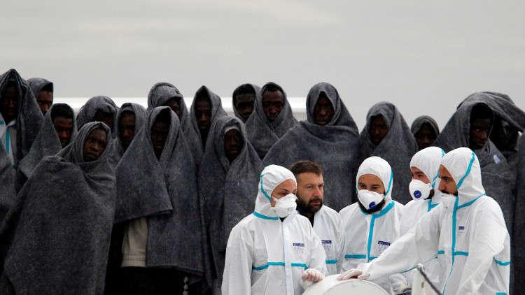 إنقاذ 1100 مهاجر قرب صقلية الإيطالية