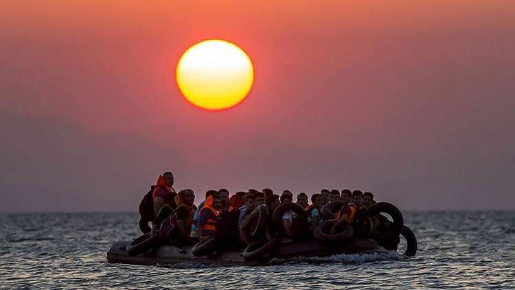 اختفاء قارب يحمل أكثر من 40 لاجئا قرب السواحل اليونانية