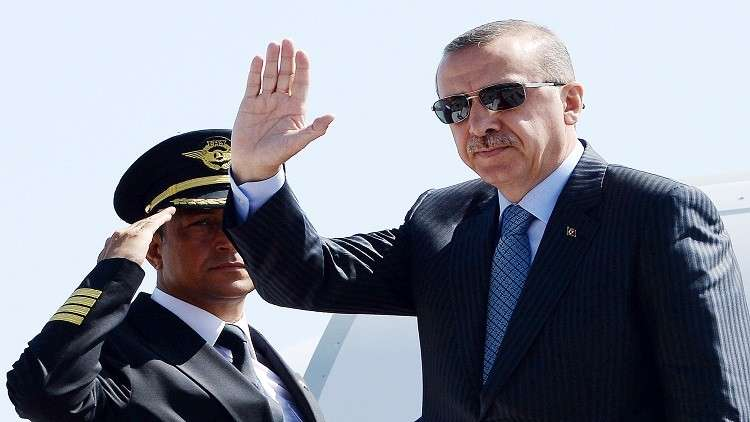 بعد 65 عاما.. أردوغان أول رئيس تركي يزور اليونان