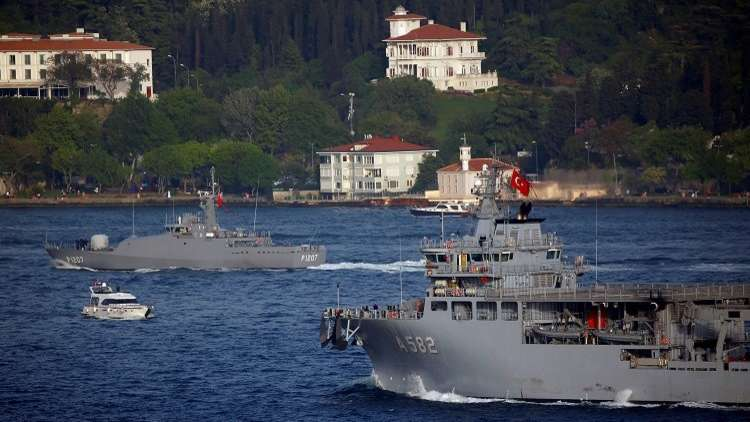 مناورات عسكرية للبحرية التركية بمشاركة الناتو