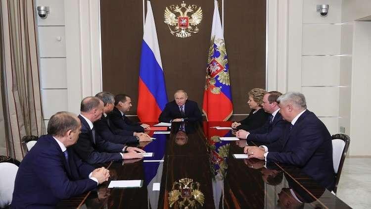 بوتين يبحث مسألة التسوية السورية مع مجلس الأمن القومي