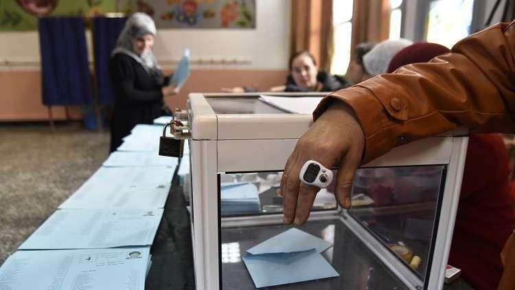 حزب بوتفليقة يعلن فوزه بالانتخابات البلدية في الجزائر