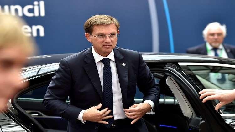 رئيس حكومة سلوفينيا مهدد بالعزل بسبب لاجئ سوري