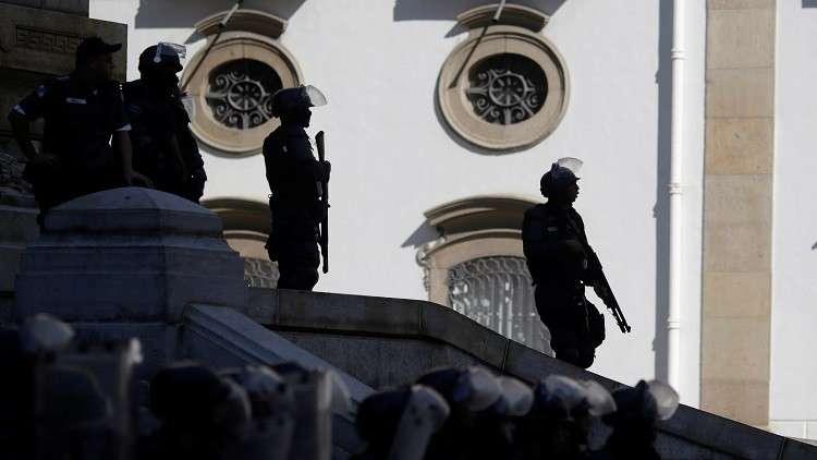 البرازيل.. الشرطة تقتل 7  مجرمين وتصادر أسلحة وذخائر