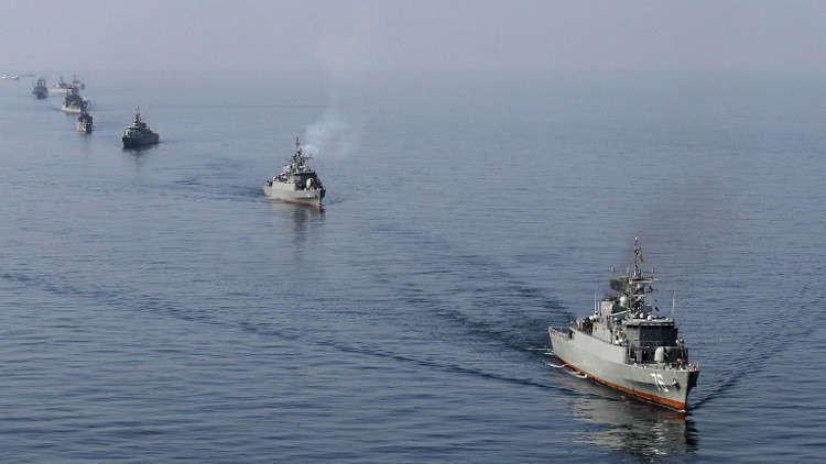 دورية إيرانية تحبط هجوما لقراصنة على سفينة تجارية
