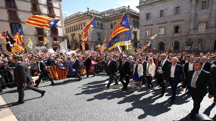 مدعي عام كتالونيا يلحق بمدعي عام إسبانيا إلى العالم الآخر