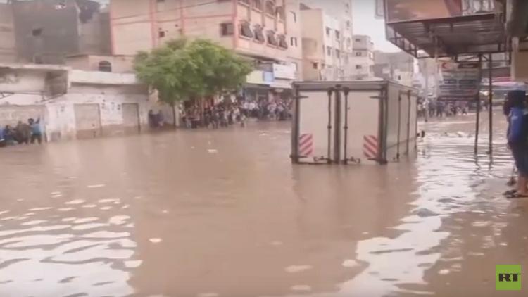 غزة.. مصرع شخص جراء فيضانات عارمة