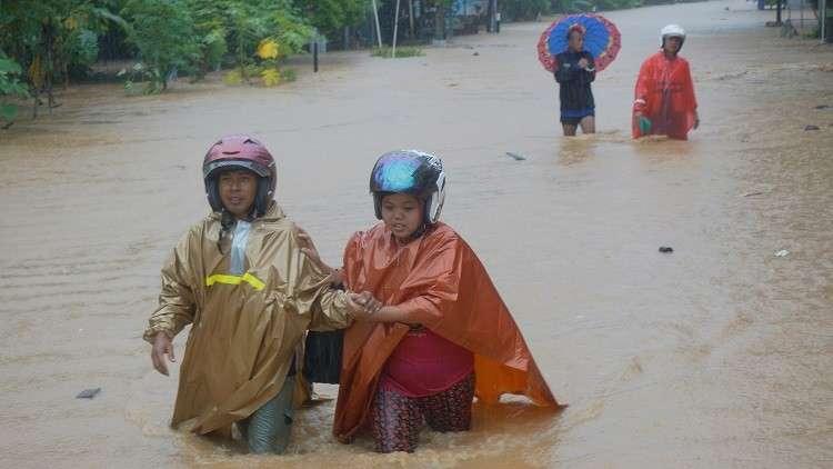 مقتل 19 جراء إعصار في جزيرة جاوة بإندونيسيا