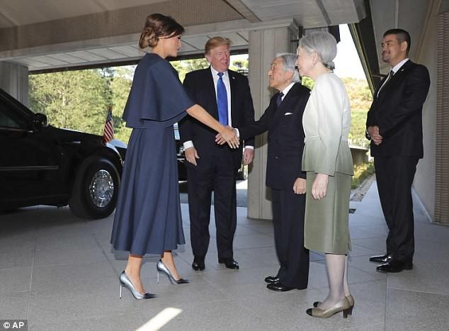 ترامب ينجح في الاختبار الذي فشل فيه أوباما أمام إمبراطور اليابان!