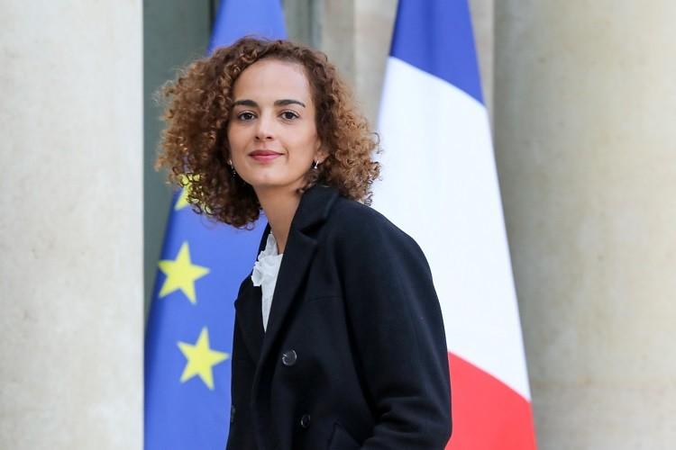 ماكرون يعين مغربية الأصل في منصب رفيع (صورة + فيديو)