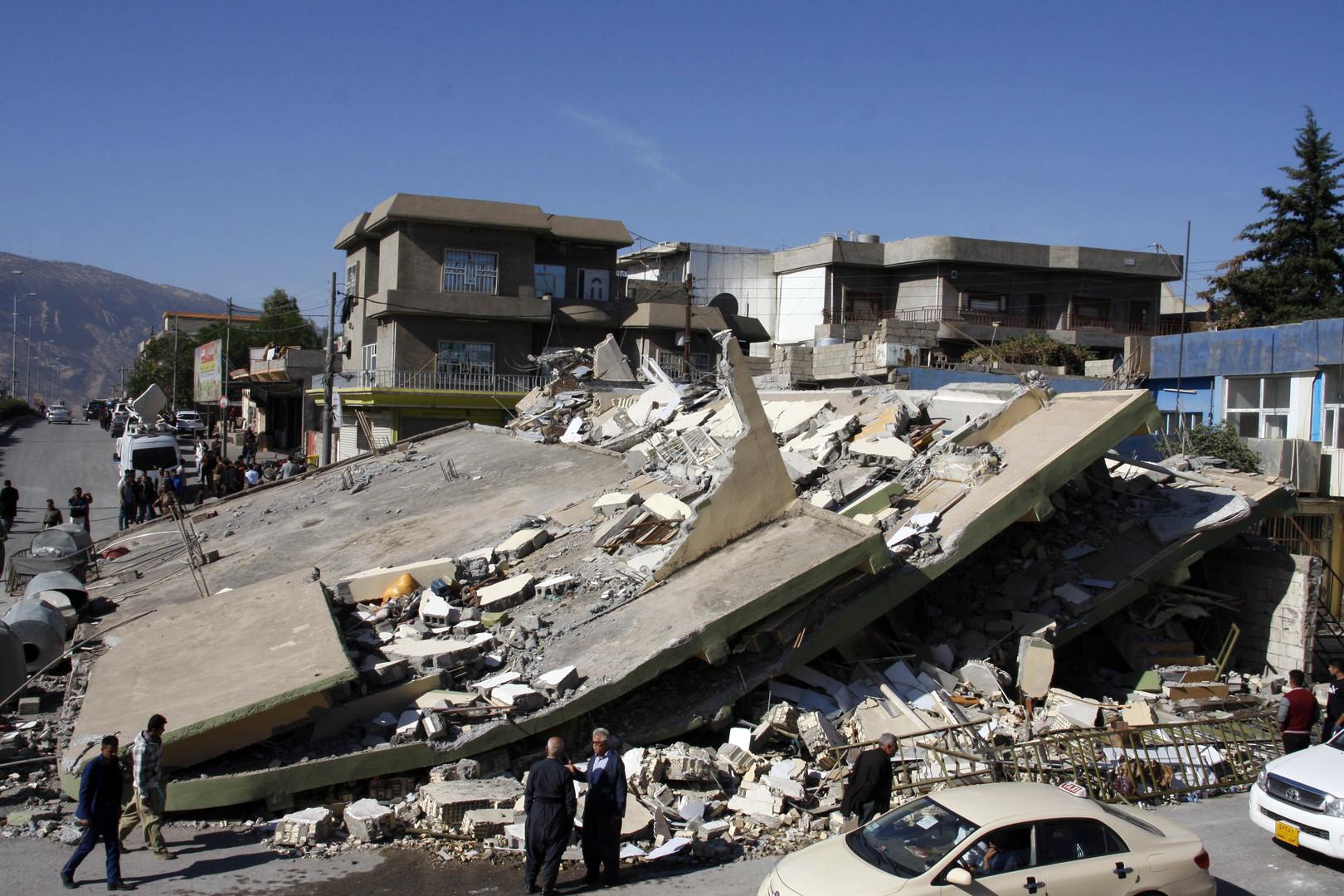 أنقاض مبان مدمرة جراء زلزال ضرب الحدود العراقية الغيرانية (دربندخان، كردستان العراق، 13