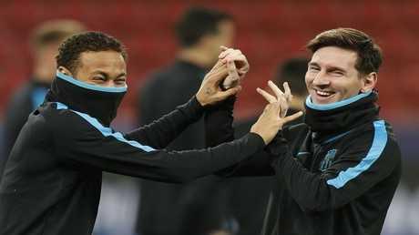 ميسي مع زميله السابق في برشلونة نيمار