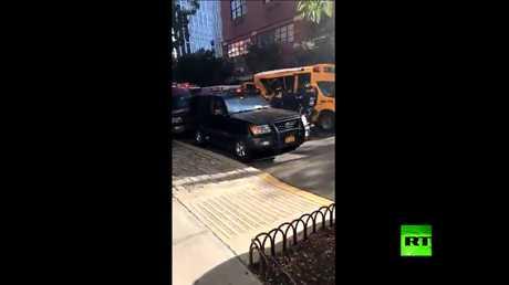 ها هي الحافلة لنقل التلاميذ التي اصطدم بها منفذ هجوم منهاتن