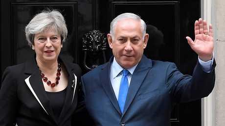 رئيسة الوزراء البريطانية تيريزا ماي ونظيرها الإسرائيلي بنيامين نتانياهو
