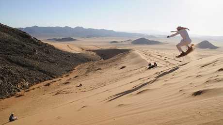 ما هو سعر برميل النفط اللازم لتوازن ميزانية دول الخليج؟