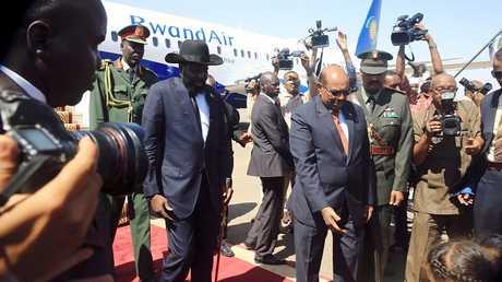رئيس دولة جنوب السودان سلفا كير ونظيره السوداني عمر البشير في الخرطوم