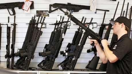محل لبيع الأسلحة في الولايات المتحدة