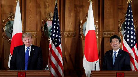 شينزو آبي ودونالد ترامب في طوكيو