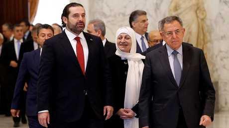 رئيس الوزراء اللبناني السابق فؤاد السنيورة ورئيس الوزراء المستقيل سعد الحريري