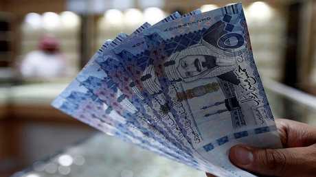 المركزي السعودي يؤكد تجميد حسابات في إطار تحقيقات الفساد
