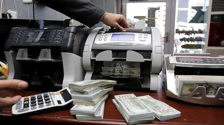 بغداد تقطع العملة الأجنبية عن شمال البلاد