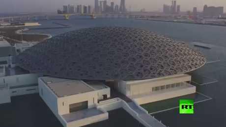 ماكرون يشارك في افتتاح فرع متحف اللوفر في أبوظبي