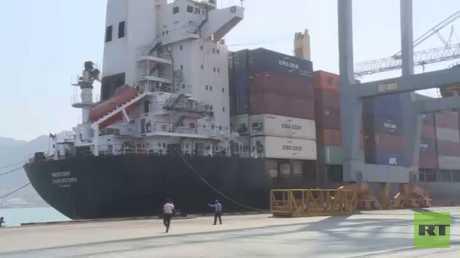 RT تدخل ميناء عدن بعد فتحه أمام السفن
