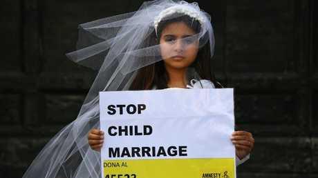 وقفة احتجاجية لمنظمة العفو الدولية ضد زواج القاصرات