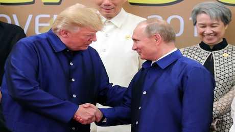الرئيسان فلاديمير بوتين ودونالد ترامب في قمة