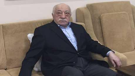 الداعية والمعارض التركي فتح الله غولن