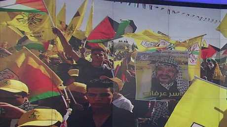آلاف الفلسطينيين يحيون ذكرى وفاة عرفات