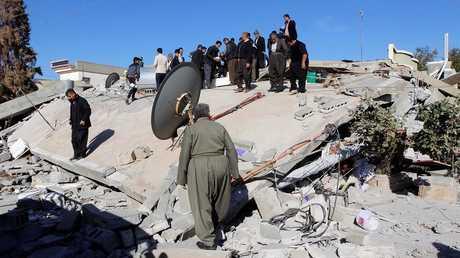 آثار الهزة الأرضية التي ضربت العراق وإيران