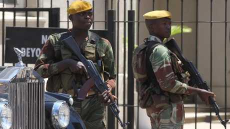 جنود من الجيش الزيمبابوي - أرشيف