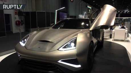 دبي.. أول سيارة من فئة السوبر مصنوعة من التيتانيوم