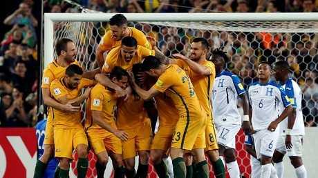 أستراليا تلحق بركب المتأهلين إلى مونديال روسيا (فيديو)