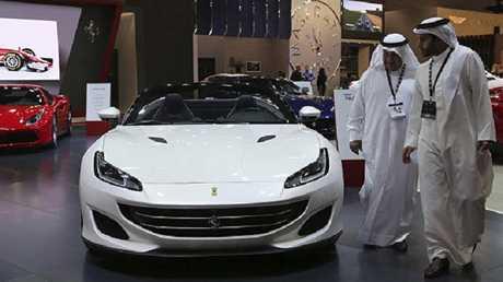 معرض دبي للسيارات