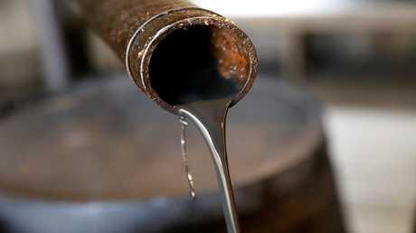 النفط يصعد متجاهلا نمو مخزونات الخام الأمريكية