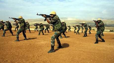أرشيف - جنود سوريون