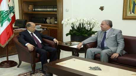 أرشيف - عون والمشنوق في القصر الرئاسي في بعبدا، لبنان 1 يونيو 2017