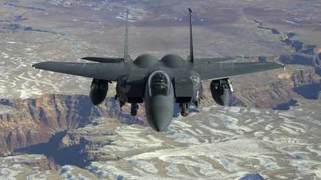 أرشيف - طائرة مقاتلة من طراز F-15 فوق  ولاية نيفادا، 7 فبراير 2008