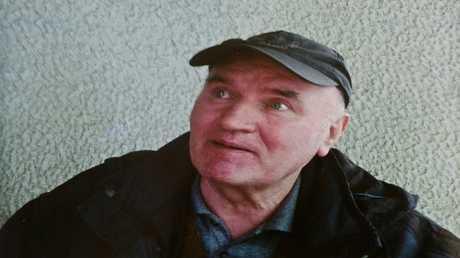 أرشيف - راتكو ملاديتش بعد اعتقاله في بلغراد، صربيا، 26 مايو 2011